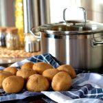 圧力鍋で作る新じゃがのレシピ!肉じゃがや煮物が簡単にできる!