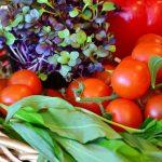 トマトを角切りのサイコロ状にするおしゃれな切り方!